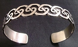 Middle Celtic knoth bracelet